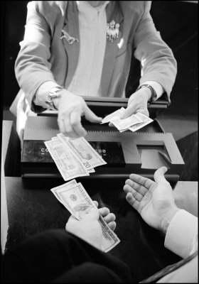 Bonifico estero: banche italiane troppo care - Confronti ed esempi