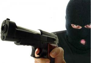 """Bergamo, giravano in strada con un """"kit per le rapine"""": fermati 3 sospetti"""