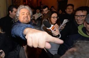 """Beppe Grillo-Fabio Fazio, botta e risposta fuori onda. """"Arrivo"""". """"Ti hanno superato"""""""