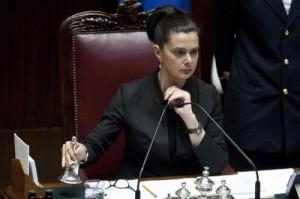 Lettera con proiettile a Laura Boldrini intercettata a Milano