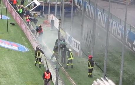 Cameraman ferito da bomba carta, solidarietà tifosi Atalanta (video)