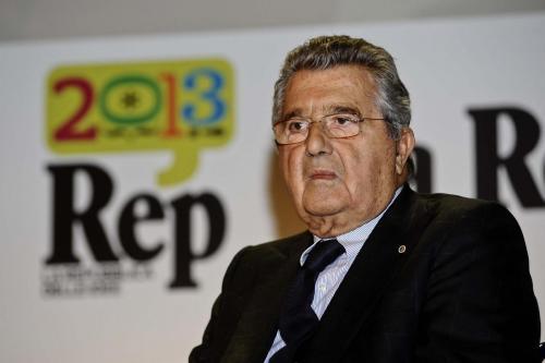 Carlo De Benedetti king maker di ministri. Pansa: business o Ruby a costo zero?