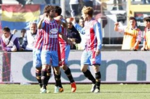 Catania-Lazio 3-1, pagelle Serie A: Peruzzi perfetto, Klose da dimenticare (LaPresse)