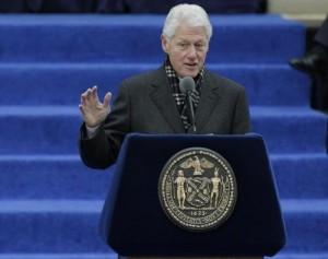 """Bill Clinton ebbe una storia con Liz Hurley"" secondo i tabloid Usa"