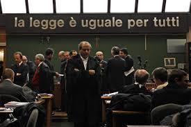Berlusconi diede 700mila euro ai senatori...