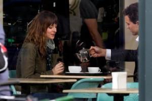 """Dakota Johnson di """"50 sfumature di grigio"""": """"Sesso spinto? Perché no"""" (Trailer)"""
