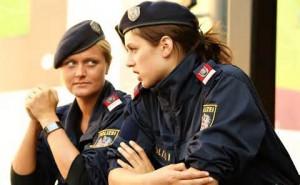 Donne poliziotto greche
