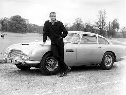 007, la collezione delle auto di James Bond in vendita per 24 milioni di euro