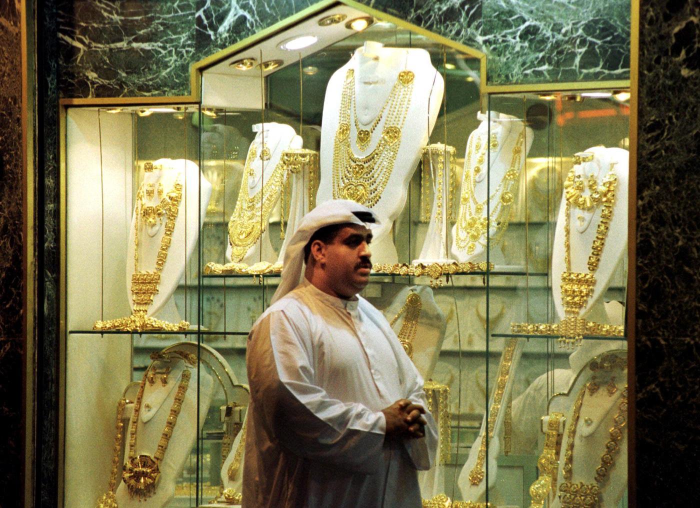Dubai, un grammo d'oro per ogni kg perso: premio da sceicchi negli Emirati obesi