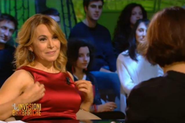 """Barbara D'Urso a Daria Bignardi: """"Sei di legno, fai vedere il collo"""" (video)"""