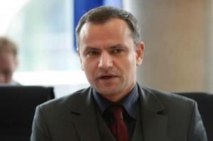 Sebastian Edathy (Spd) indagato per pedofilia: scandalo nel governo Merkel