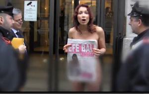 """Efe Bal, transessuale, protesta nuda: """"Voglio pagare le tasse"""" (video)"""