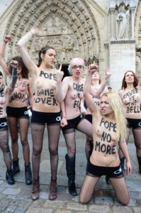 """Una ex Femen accusa: """"Metodi settari"""". Chi parla troppo viene cacciata"""""""