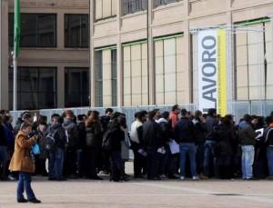 Isernia: 14 posti da portantino per un anno. 700 in coda per il lavoro