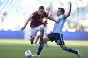 Formazioni Serie A: Lazio-Roma, Inter-Sassuolo, Verona-Juventus e Livorno-Genoa Totti e Ledesma nella foto LaPresse