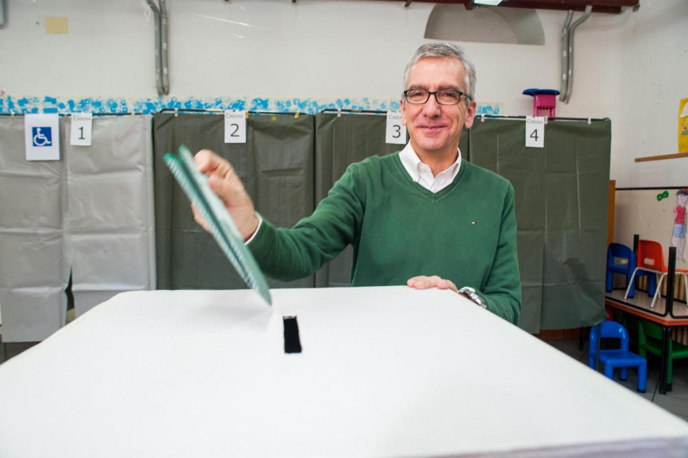 Sardegna al centrosinistra, Pigliaru governatore batte Cappellacci e Forza Italia
