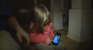 Bimba di tre anni chiama il 911 e salva la vita al padre