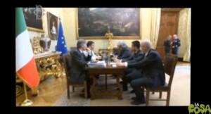 """Renzi, """"Posso parlare?"""", Grillo, """"No"""". Ma il web aveva detto sì...O no?"""