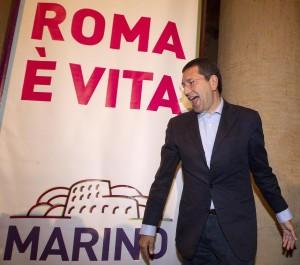 Ignazio Marino si dà il voto: 7+. Ma Fori, pioggia e nomine?