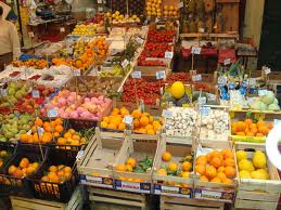 Boss di Cosa Nostra al mercato di Palermo: imponevano prezzi di frutta e verdura