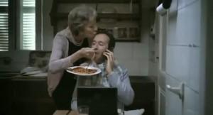 """Italiani """"mammoni"""": 7 mln di under 35 vivono con i genitori. Primato agli uomini"""