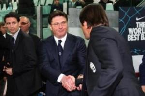 Juventus-Inter, è derby d'Italia al veleno dopo colpi bassi sul mercato. Mazzarri e Conte nella foto LaPresse