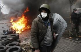 Un momento degli scontri a Kiev