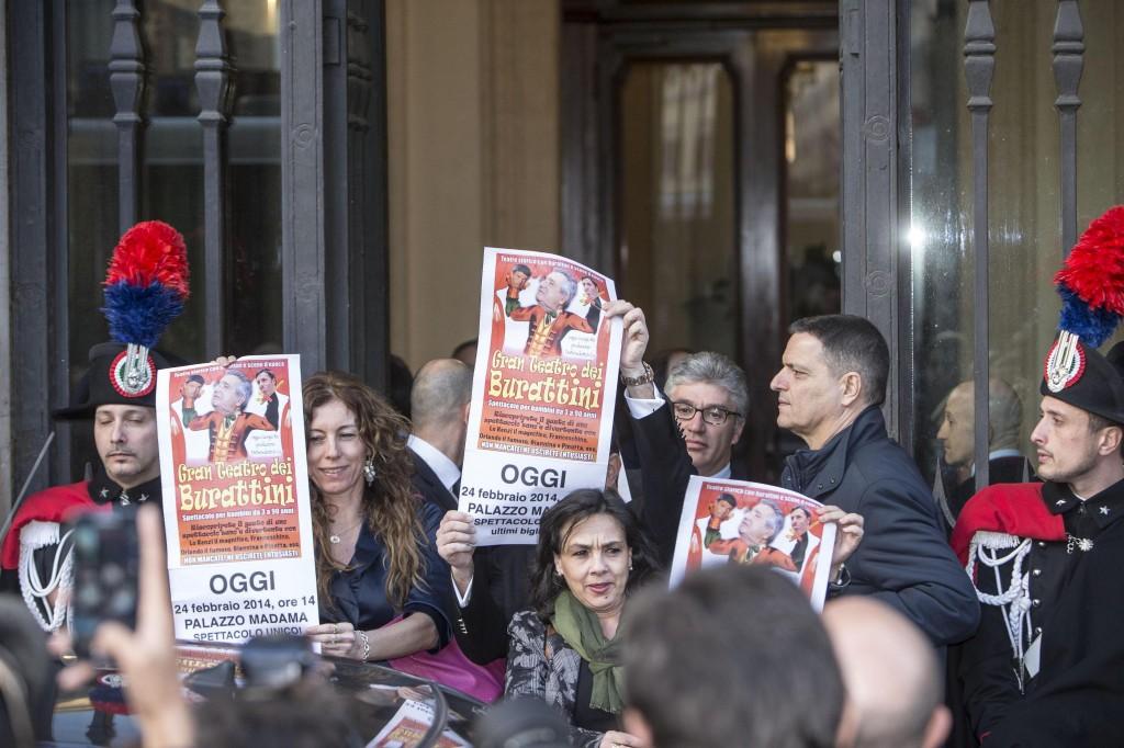 Senatori Lega contro Renzi