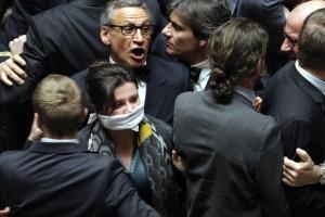 """Schiaffo Dambruoso-Lupo, Boldrini: """"Violenza inammissibile"""". Lui: """"Illusione ottica"""""""