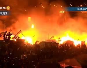 Gli scontri sulla piazza Maidan