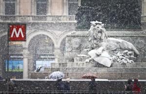 Maltempo. Forti piogge in Toscana, scuole chiuse in Maremma, neve in Piemonte