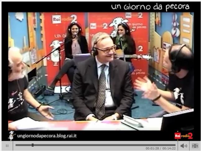 """Mario Mauro-Al Bano Carrisi: duetto ministro-cantante su """"O surdato 'nnamurato"""""""