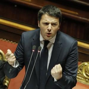 """Matteo Renzi replica in Senato: """"No doppio registro, né operazione lifting"""""""