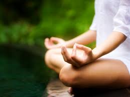 Omeopatia, agopuntura e meditazione: così il corpo guarisce con l'auto-cura