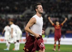 Roma, pronto il ricorso per le due partite a curve chiuse (nella foto Miralem Pjanic)