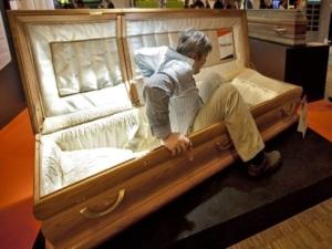 """""""Non seppellite viva mamma Grazia Bruno"""". Ma è morta da 7 giorni"""