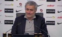 """Mourinho: """"Il massaggiatore ha fatto il discorso pre-partita. Non ho capito nulla ma…"""""""