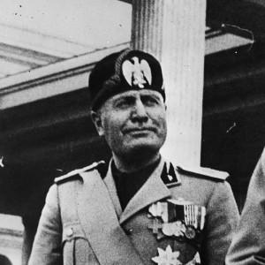Fisichella, Storia d'Italia: contro monarchia sinistra ma anche Rsi fascista