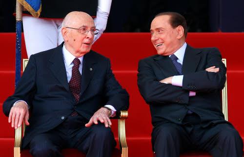 Berlusconi da Napolitano per le consultazioni: un pregiudicato al Quirinale