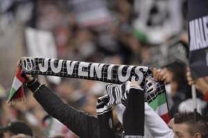 Oggetti contro pullman Inter, fermati quattro tifosi Juventus (LaPresse)