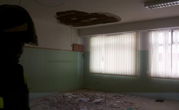 Crolla intonaco soffitto scuola Palermo, feriti tre bambini