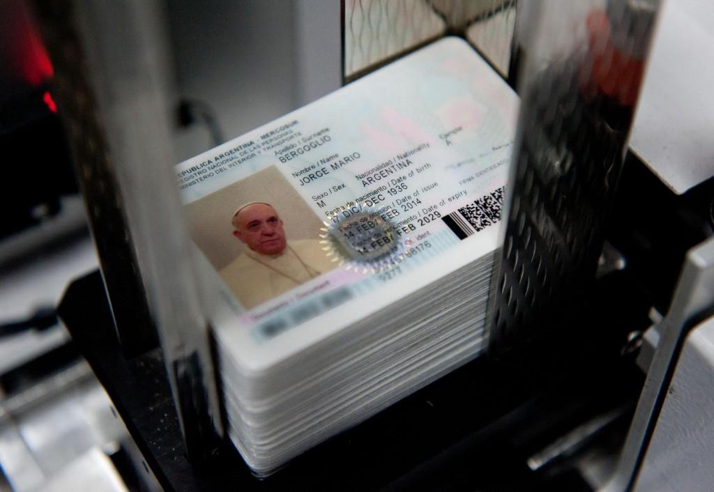 Papa Francesco, il passaporto