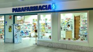 Torino, scivola su scale in parafarmacia e muore: titolare accusata di omicidio