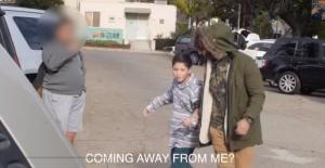 Mediorientale rapisce bambino in strada: il video è falso e spopola sul web