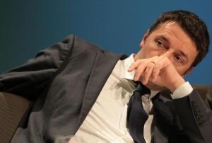 """Santangelo (M5S): """"Renzi, Vanna Marchi delle istituzioni"""". Zanda (Pd): """"Insulti"""""""