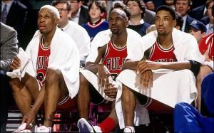 Dennis Rodman, Michael Jordan  e Scottie Pippen