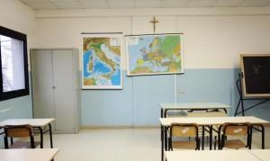 Reggio Emilia. Genitori separati dimenticano la figlia a scuola: denunciati
