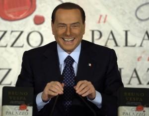 """Berlusconi: """"Dentiere gratis agli umani e visite gratis a tutti i Dudù d'Italia"""""""