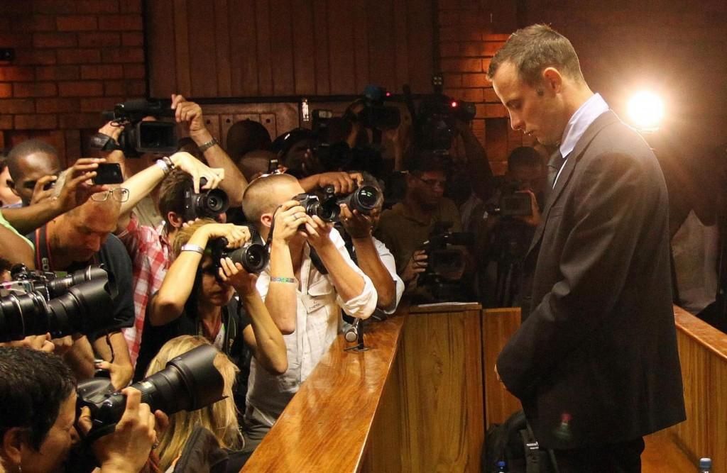 Oscar Pistorius guardava un porno la notte dell'omicidio di Reeva Steenkamp