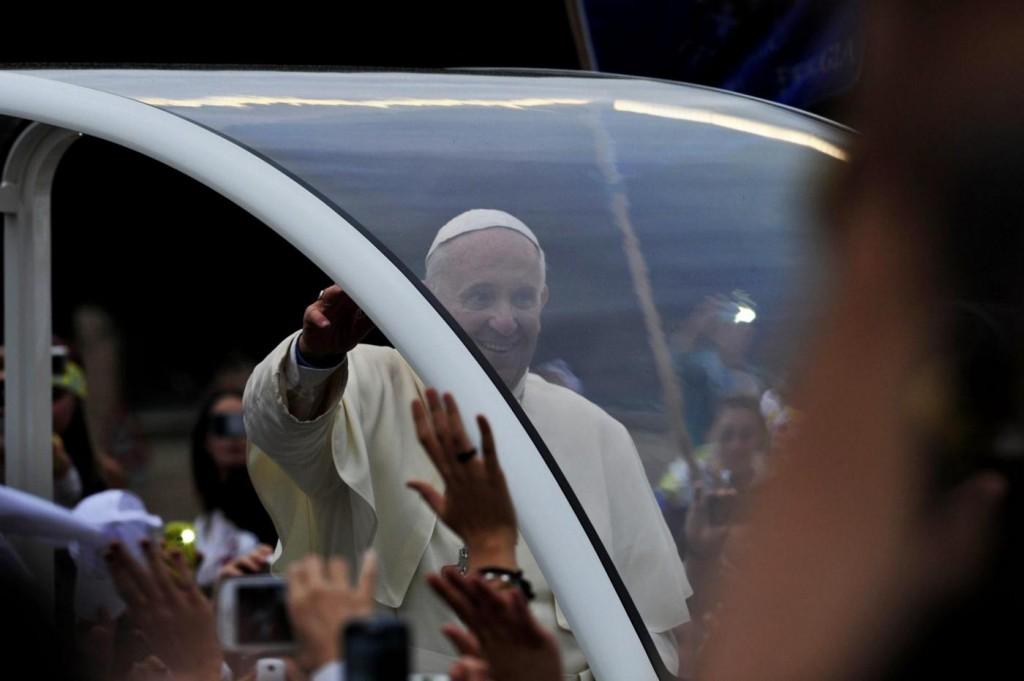 L'austerity del Papa:  blocco degli stipendi e niente straordinari
